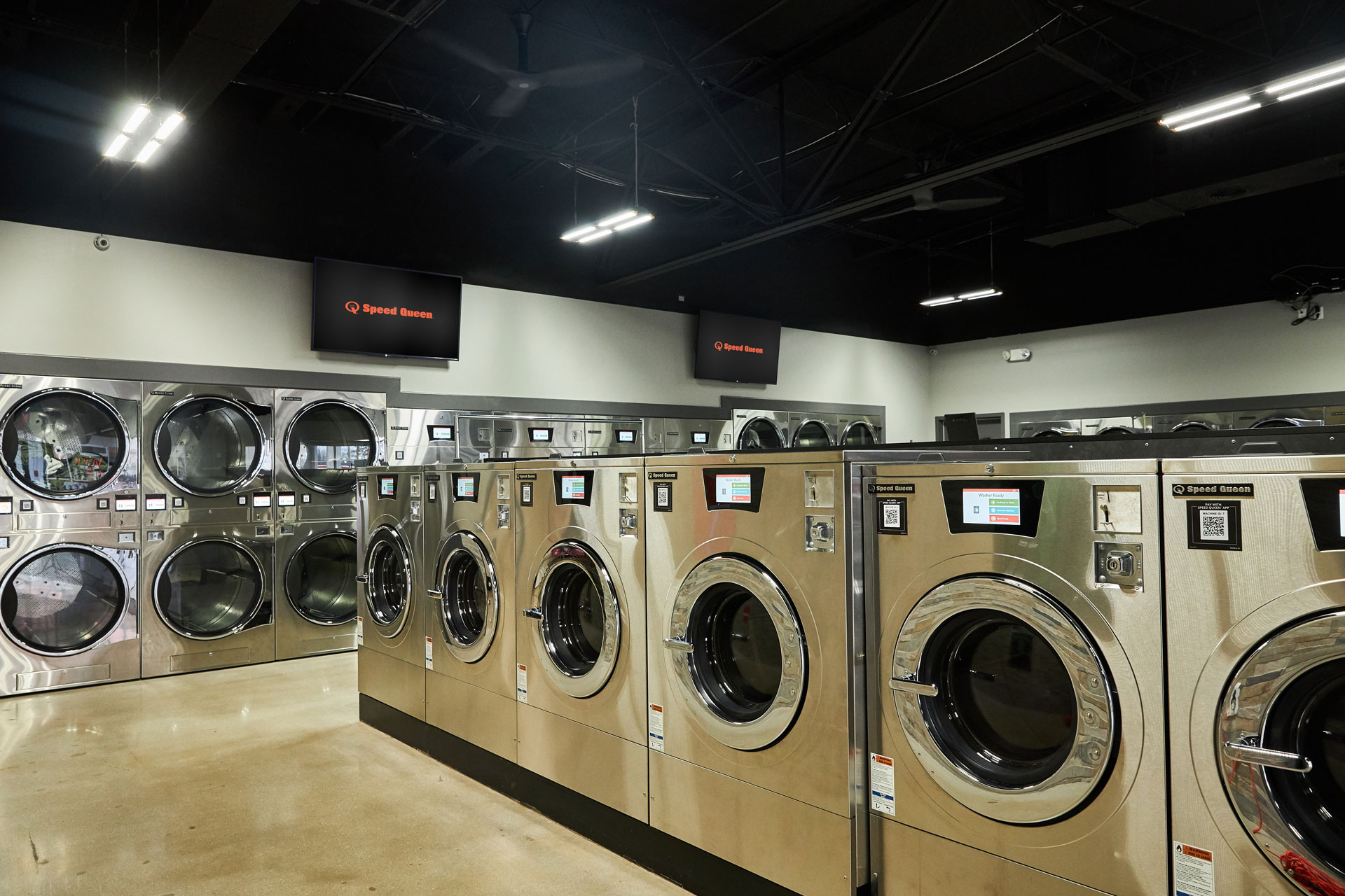 Speed Queen Laundry Franchise Exec Talks About the Trend Toward Larger Laundromats